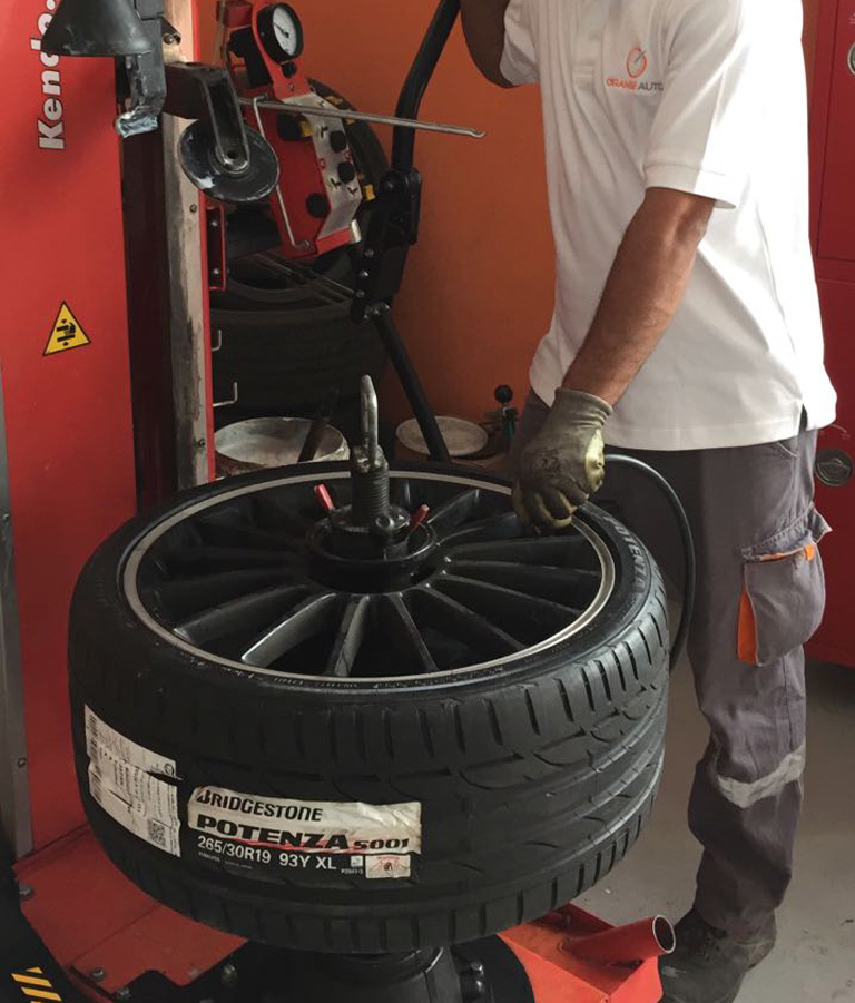 Best Tyre Change And Wheel Alignment