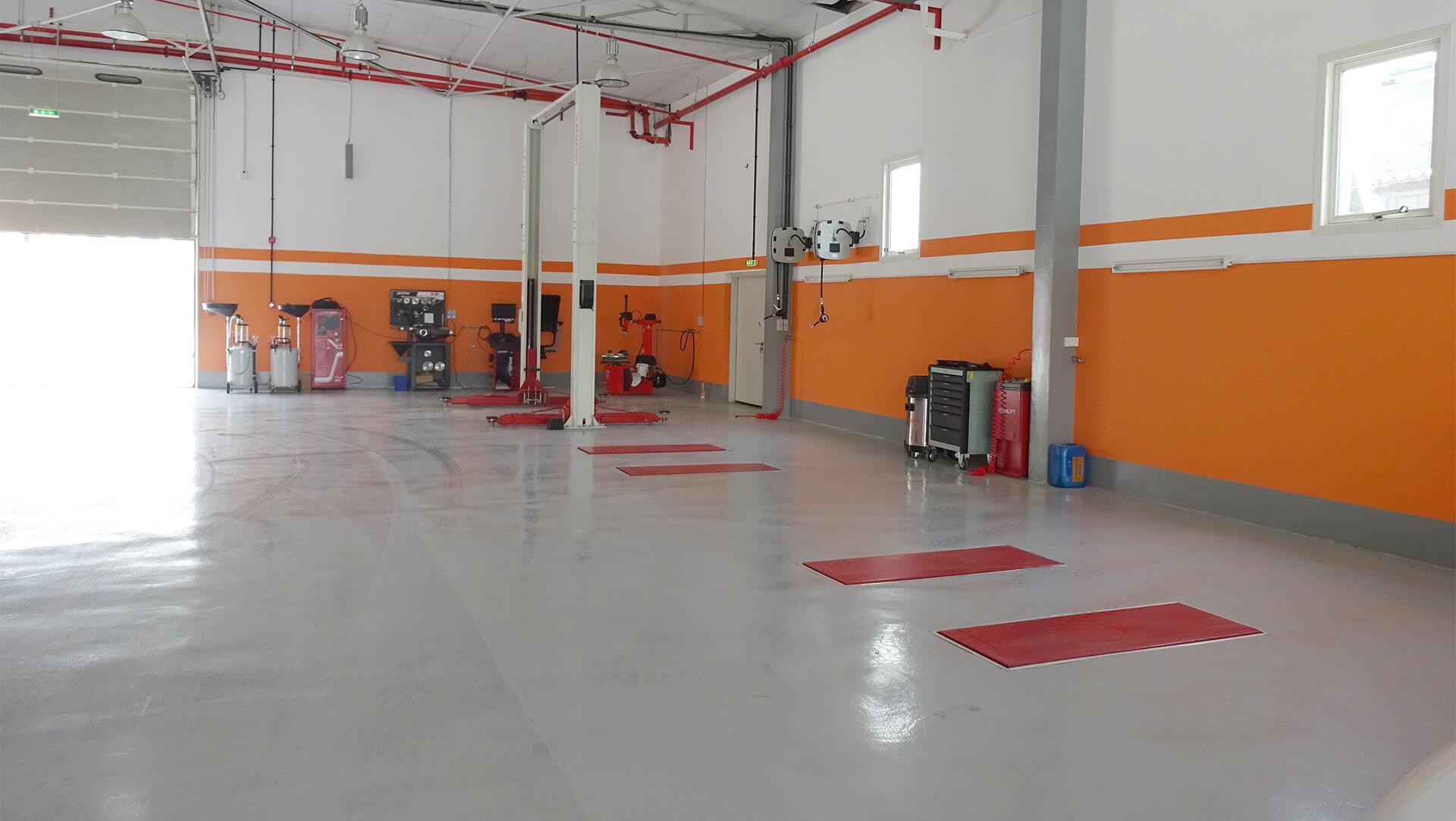 workshop garage