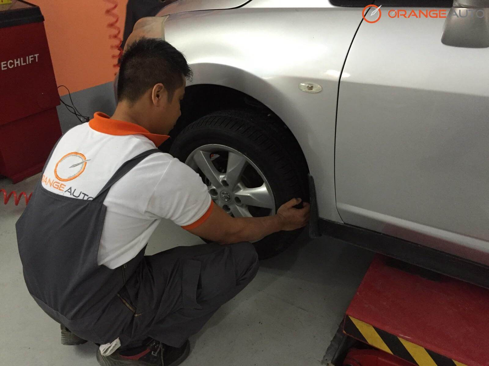 How do I know when to change my tires in Dubai?